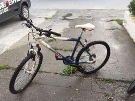 Vendo bicicleta rodado 26 4 usos max