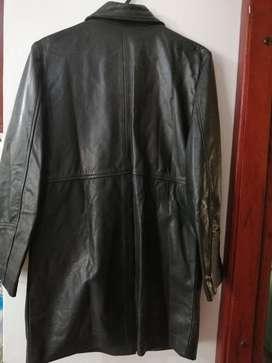 Vendo chaqueta puro cuero tipo abrigo