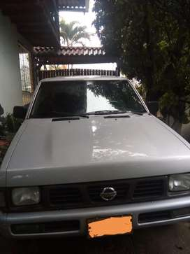 VENDO CAMIONETA Nissan D21