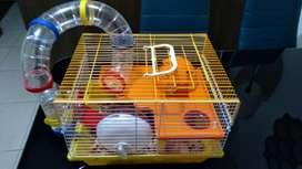 Dos hamsters con jaula incluida