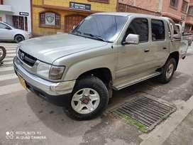 Toyota Hilux 2005 como nueva