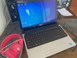 VENDO Notebook Dell i3 con 3gb de RAM