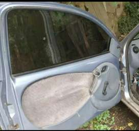Puerta izquierda de Ford ka modelo 97 al pp