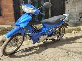 Vendo moto por motivo de viaje en excelente estado