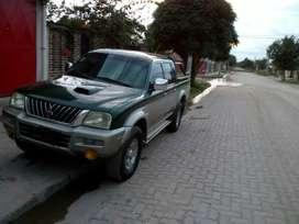 Vendo camioneta Mitsubishi L200 urgente