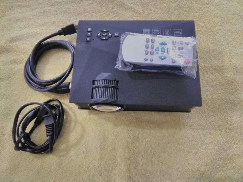 MINI PROYECTOR WI-FI LED HD 1080p HDmi Usb 1200 Lumens