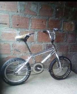 Se vende bicicleta caja ancha marco 16 cromada en 60.000 pesos