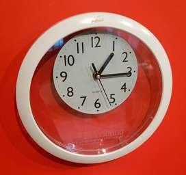 Reloj de pared. Plástico. NUEVO