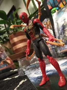 Extraordinaria Colección de figuras de acción marvel spiderman