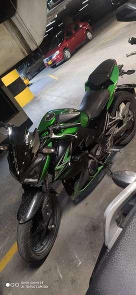Hermosa Kawasaki Z250