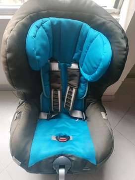 Sillares ROMER SAFEFIX PLUS, de bebé para el carro.