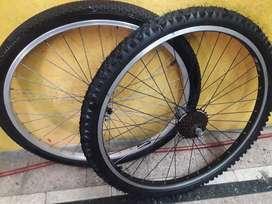 Juego de ruedas rodado 26 usadas completas mountain bike