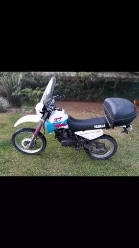 A vendo yamaha XT 350 mod 98