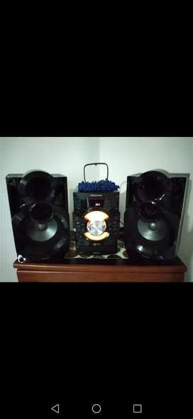 Vendo equipo de sonido panasonic sa-akx38