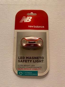 Luz LED de seguridad NB New Balance