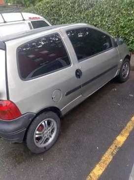Vendo Twingo 2006.