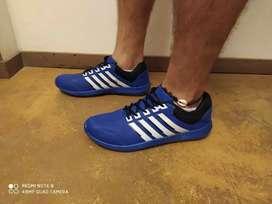 Hermosas zapatillas en 42