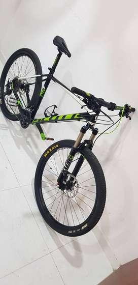 Bicicleta scott scale 750 TALLA L