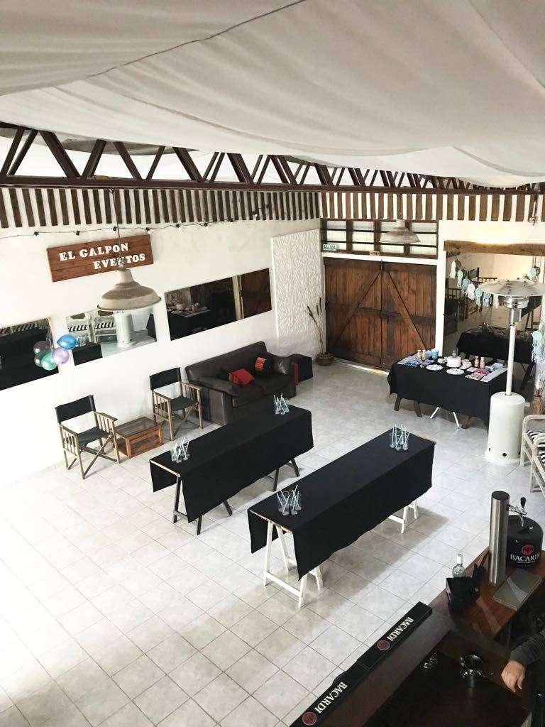 Vendo salón / Resto Bar / Loft en Chascomús