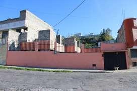 VENDO || Casa independiente, proyección 2 piso. Norte Quito - Loma de Puengasi