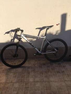 Bicicleta GIANT R.26 talle m