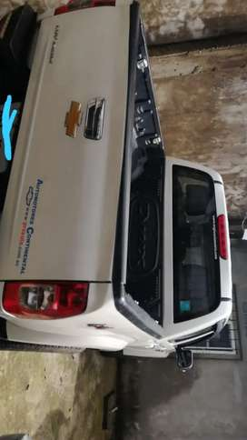 Venta de camioneta chevrolet doble cabina diésel 4x4 año 2013
