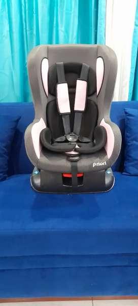 Silla de auto para bebe.
