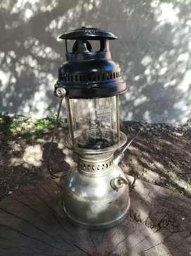 Farol a kerosene antiguo