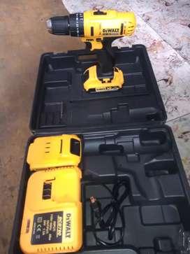 Inalambrico dewalt 24 v trae dos baterías cargador