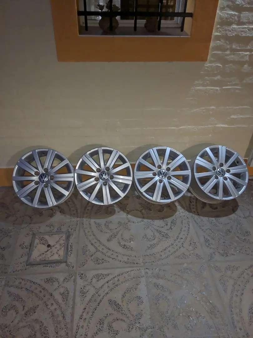 Llantas de Aleacion-Volkswagen Vento 0