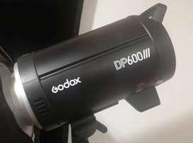 vendo flash de estudio DP600iii, parante y softbox