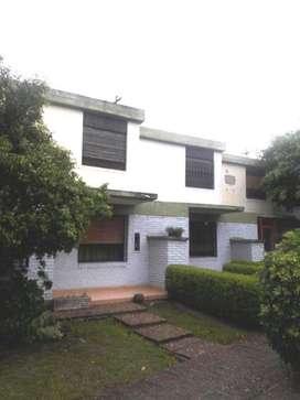 Duplex en Venta en Moron Sur con Cochera