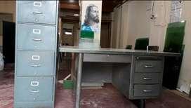 Venta escritorio y archivador usados