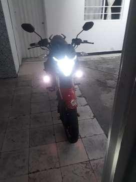 Se vende moto en buen estado akt