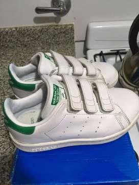 Zapatillas adidas para niños num 28