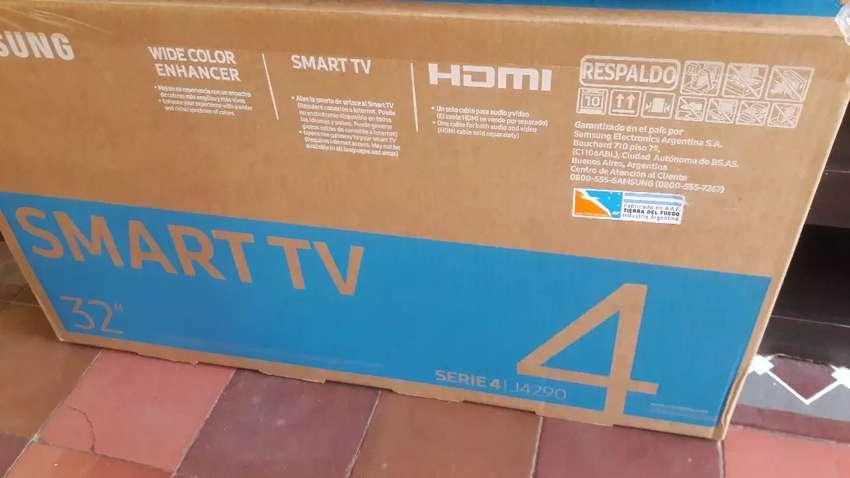 Vendo Smart tv marca Samsung en caja completo 0