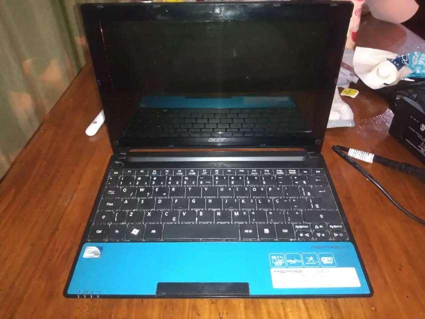 Acer aspire one D255E 0