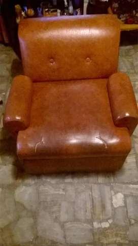 Sofa Cama Elegante De Cuero 1 Plaza Con Respaldo Y Apoya Brazos