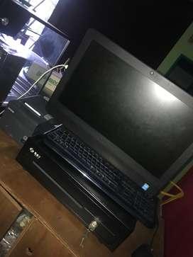 Computadora de escritorio Dell Inspiron 23