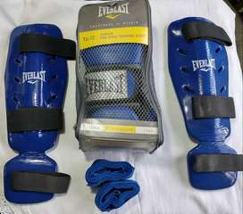 Guantes y canilleras Everlast Kick Boxing