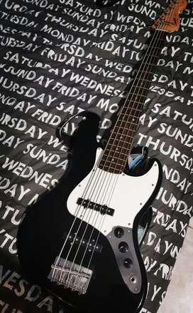 Bajo SQUIER by Fender Jazz Bass