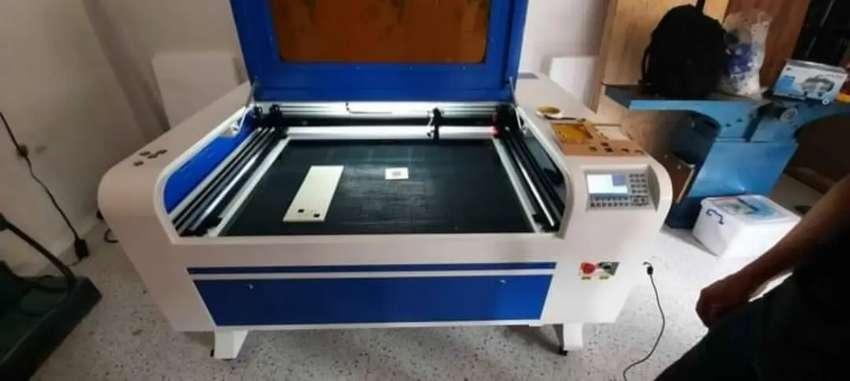 Maquina Cortadora grabadora láser Co2 60x40