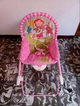 Vendo silla mecedora para bebé Fisher Price- Usada