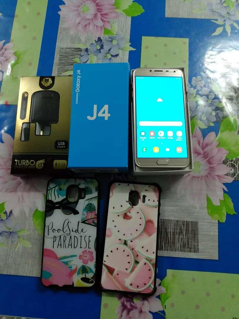 Vendo hermosa celular Samsung galaxy j4 0