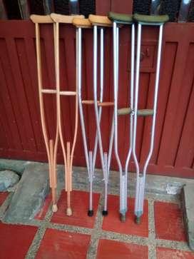 Muletas en madera y aluminio