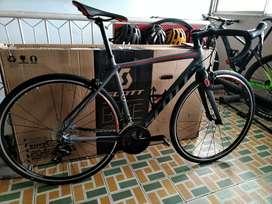 Bicicleta de ruta Scott Speedster 10 Shimano 105 tenedor carbono