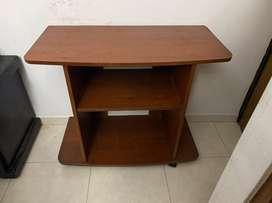 Se vende mesa para TV