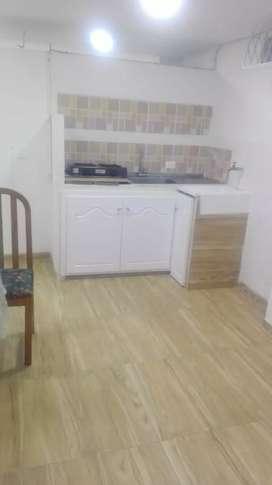 Arrendo apartaestudio barrio Sáenz , valor $450.000