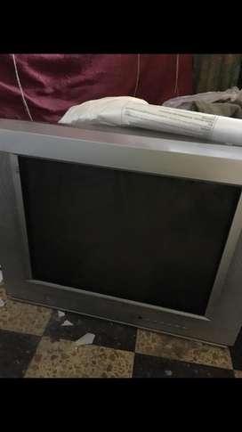 Televisor Color Pantalla Cuadrada de 29