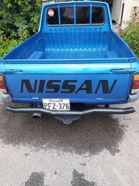 Nissan 1200 , año 1973 , transmisión mecánica